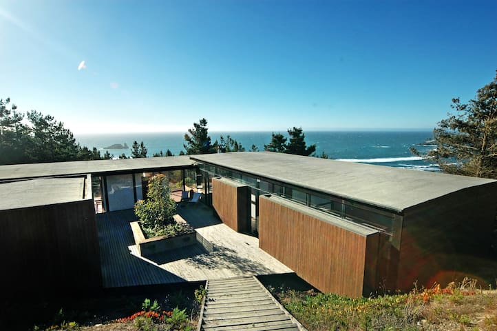 Beach House in Windsurfer's Heaven