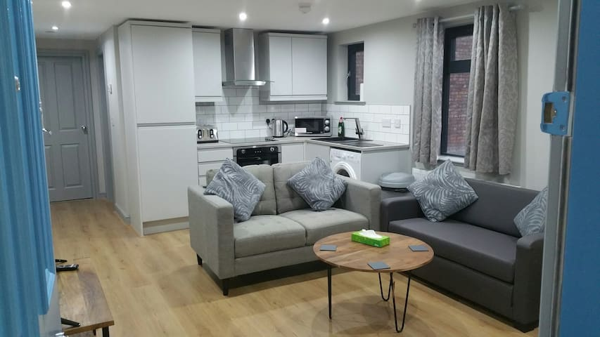 Modern City Centre Apartment Close To Attractions