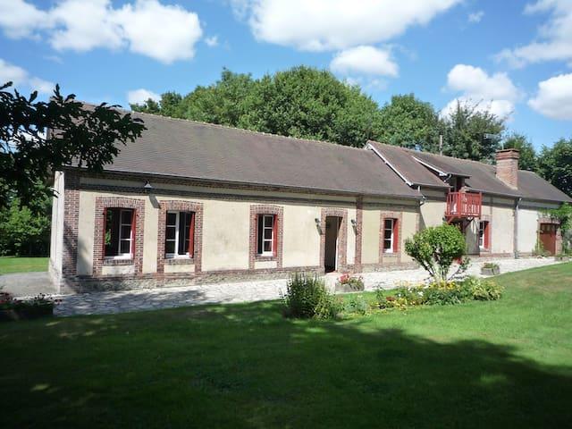 Maison  13 pers. 150 km de Paris - Saint-Evroult-Notre-Dame-du-Bois - 獨棟