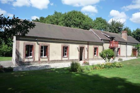 Maison  13 pers. 150 km de Paris - Saint-Evroult-Notre-Dame-du-Bois