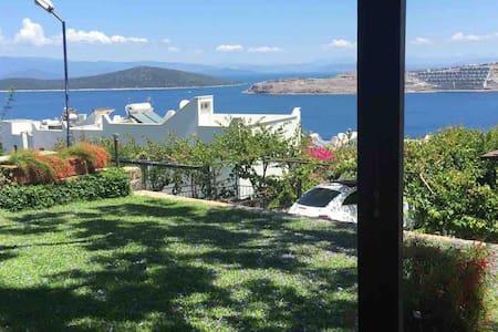 Gündoğanda 1+1 Müstakil Bahçeli Şirin Tatil Evi