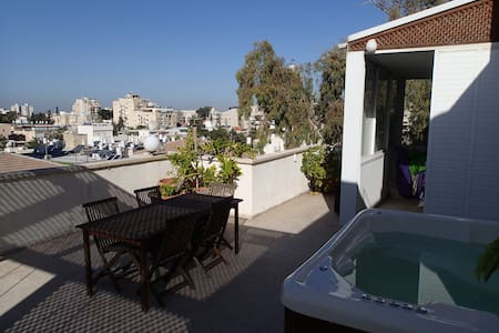 Large 4BR Penthouse with Extras... - 雷霍沃特(Rehovot)