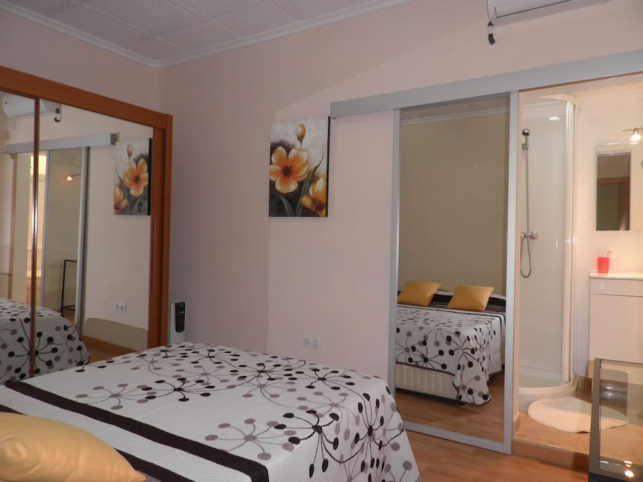 The private double room with bathroom. Picture 1