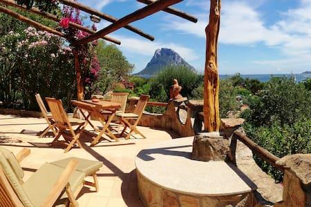 Villa FALCO a Costa Dorata, OT - Tavolara