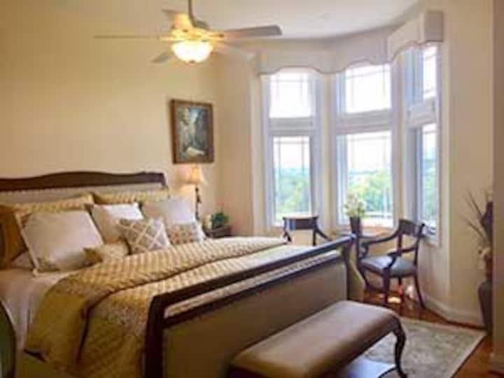 Serenity Suite - Hidden View Bed & Breakfast
