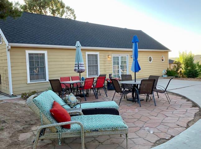 Idyllic country home & veranda with stunning views