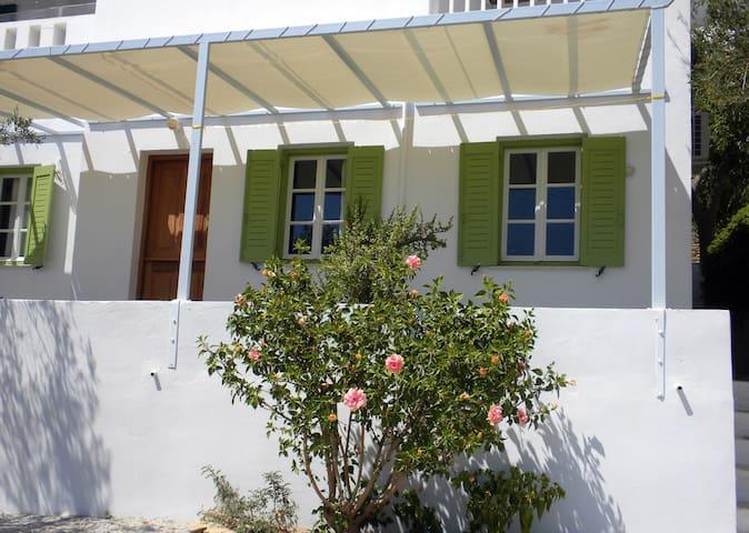 Achinos II studio