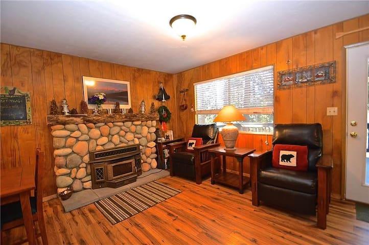 Blue Meadow Cottage - Shaver Lake - Apartment