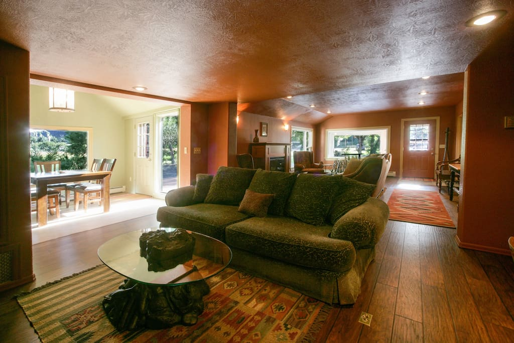 Yellowstone River House is newly renovated and fully furnished.