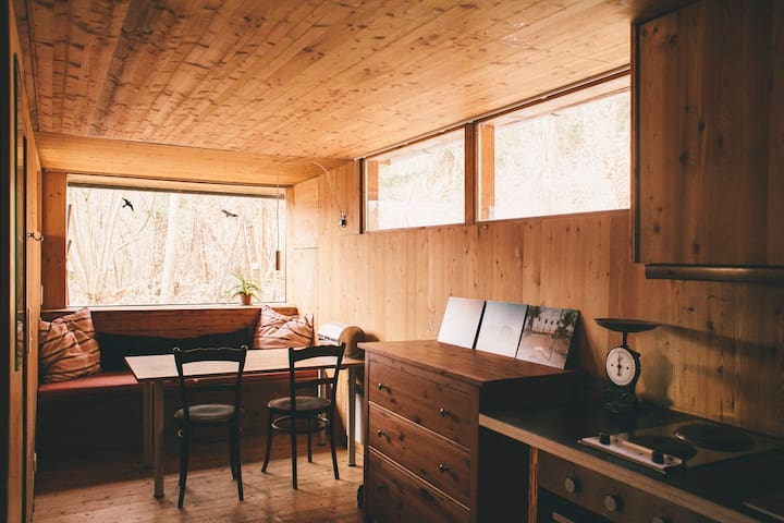 Cosy Wood Cabin in Innsbruck Woods - Innsbruck - Hut
