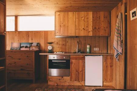 Cosy Wood Cabin in Innsbruck Woods - Innsbruck - Hut - 2