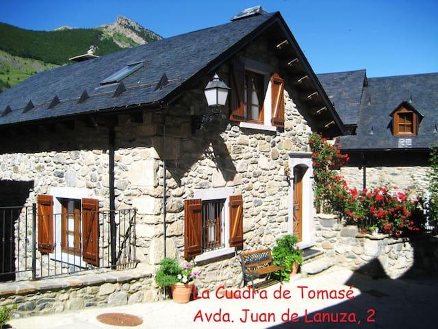"""Casa """"Cuadra de Tomasé"""" en Lanuza - Lanuza - Dům"""