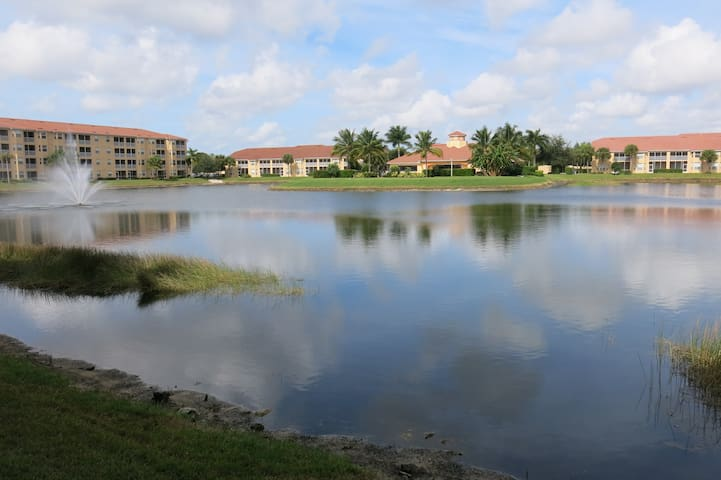 Gated Condo - Near Coconut Point - Estero