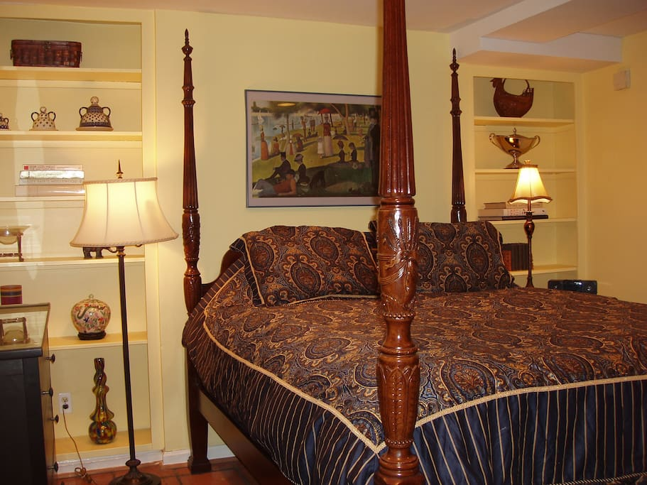 Lovely bedroom with four poster Queen size bed.