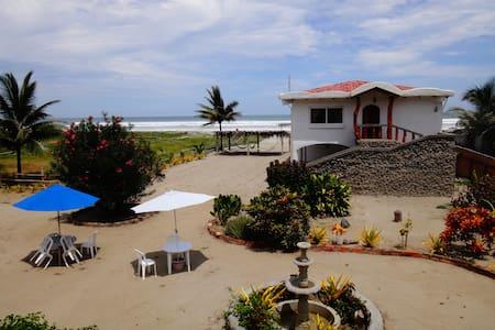 Budget Two Bedroom Suite - Sundown Beach Hotel - Canoa - Boetiekhotel