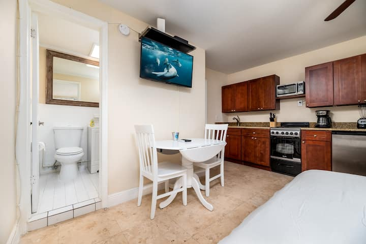 Central Fort Lauderdale Beach With Free Parking!