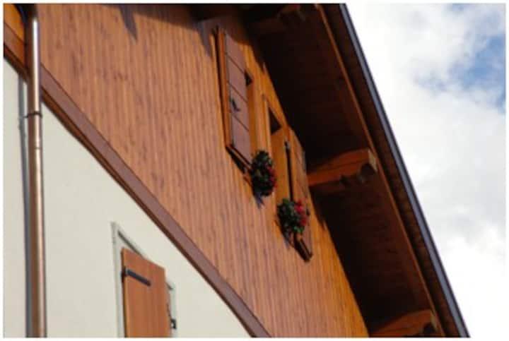 Traditional house Sciasa Thimoliana