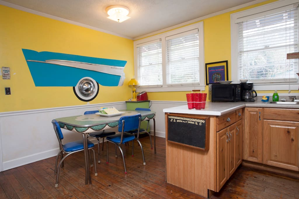 meals on wheels dining room.