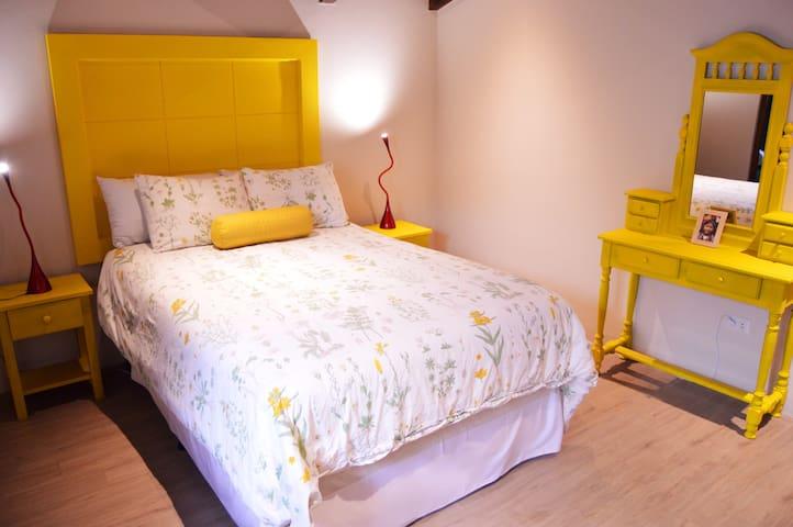 Casa Girasol | Yellow Room + Breakfast in New Home