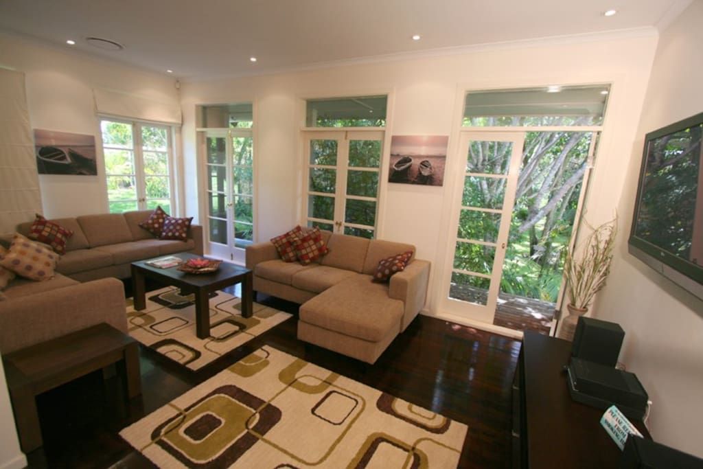 Second living space -plenty of room to relax and unwind