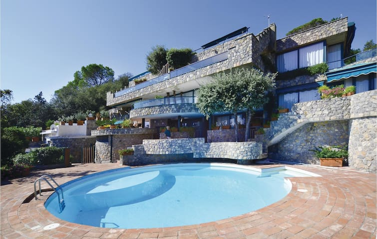 Holiday apartment with 2 bedrooms on 85m² in Ansedonia (GR)