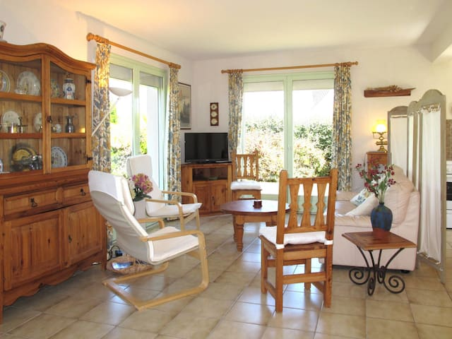 100 m² Holiday home in Plouescat