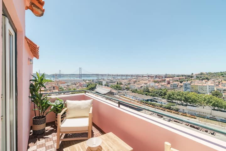 CB LISBOA - PANORAMIC VIEW APARTMENT WITH BALCONY