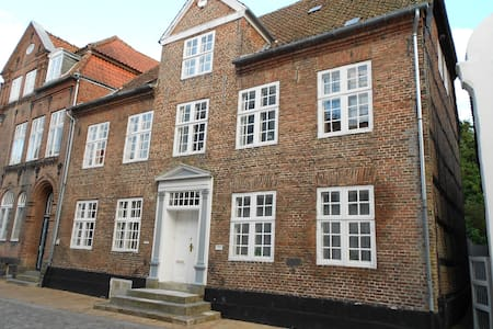 Mayer Sibbers House - Tonder - Bed & Breakfast