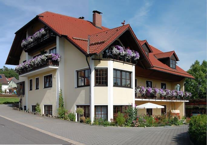 Gästehaus am Sonnehang - Erbendorf