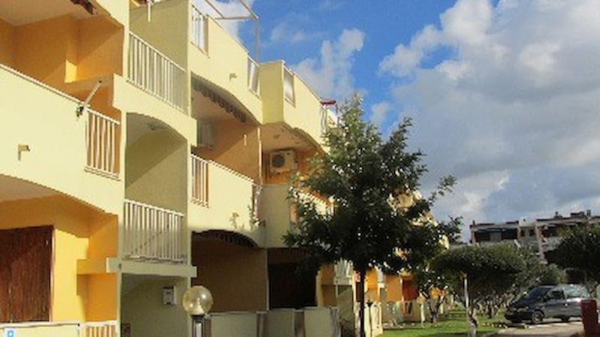 Eucalipti Residence, 2 bed + pool