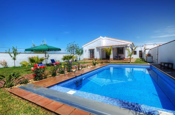 Casa con piscina a 5min de la playa - Conil de la Frontera - House
