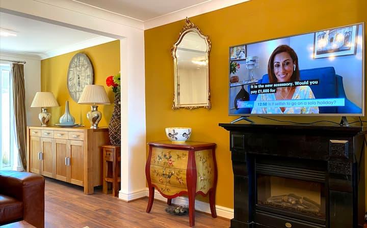 Newcastle Kingston Park Spacious House 3  Bedrooms