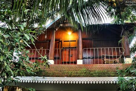 Aircon Rooms with Wifi at Adams Wood House - Kochi - Szoba reggelivel