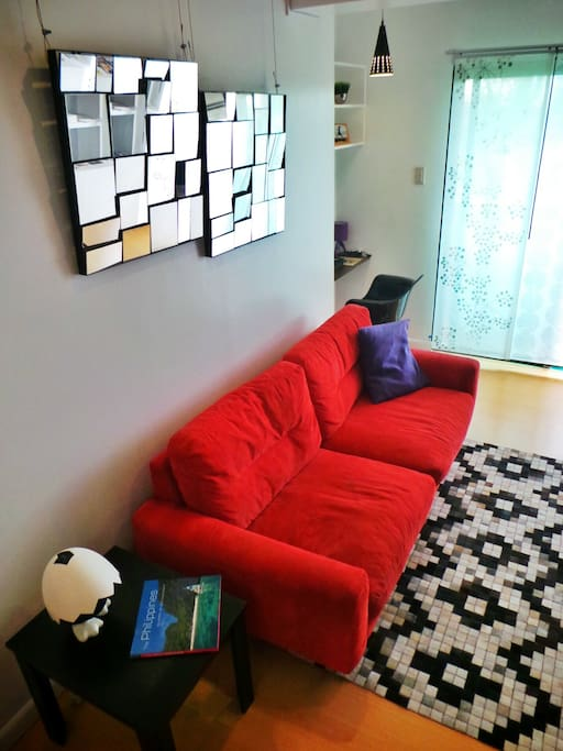 Spacious and modern 3 bedroom -- walking distance to Mall of Asia and Seafood Market