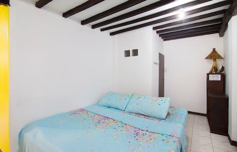 Budget travellers room Boracay4