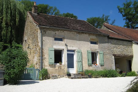 Authentieke gîte in de Bourgogne    - Zomerhuis/Cottage