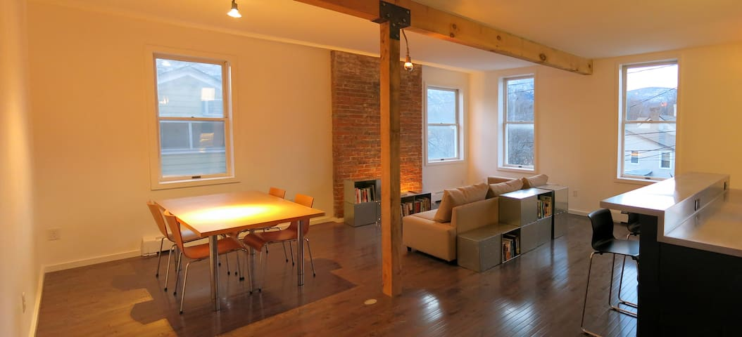Beautiful loft space - Cold Spring - Daire