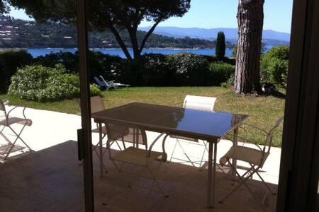 Villa Exceptionnelle pieds ds l'eau - Ajaccio