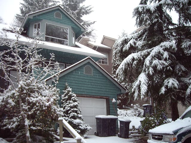 House 30 min to Van Cent;  sleeps 8 - Port Moody - House