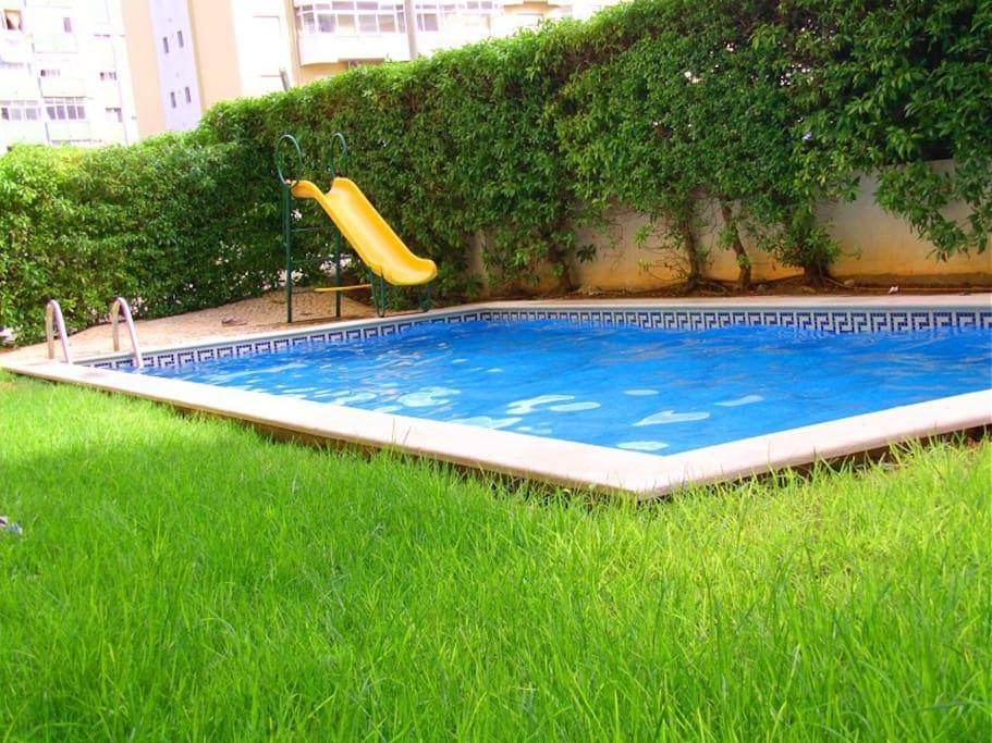 T1 c piscina em portim o condom nios para alugar em for Piscina lidl