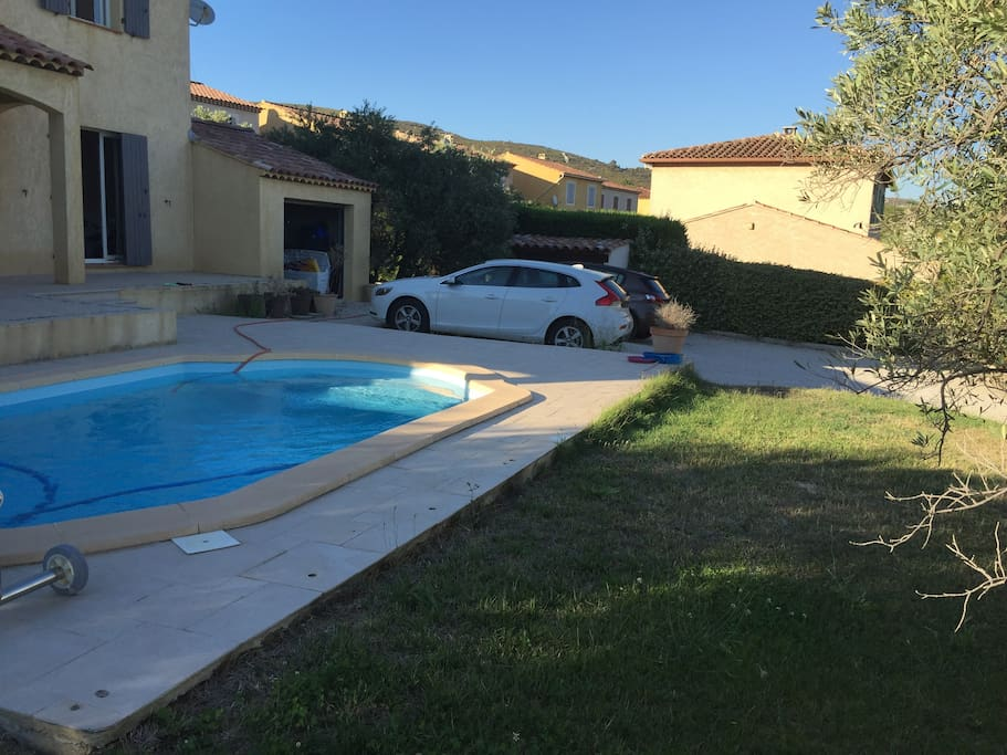 Villa proven ale proche d 39 aix en provence maisons for Piscine la fare les oliviers