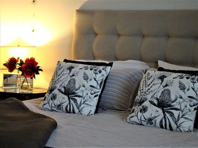 2 Bedroom Hyde Park Garden APT - Premier area