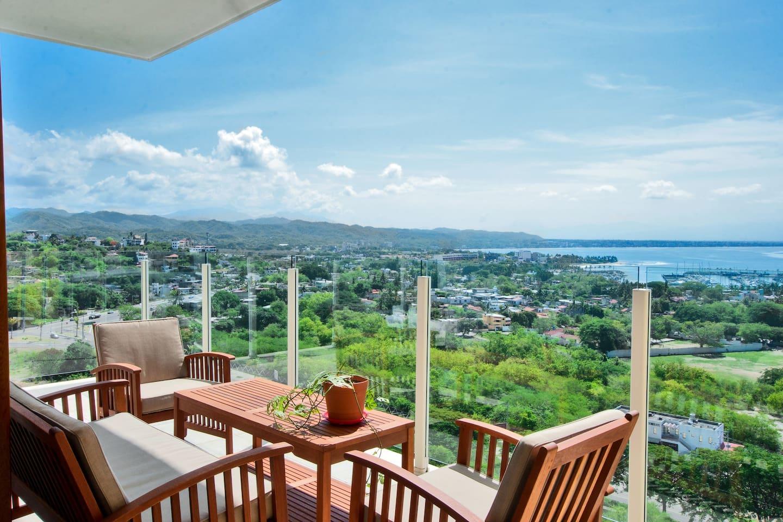 Patio view furniture + La Cruz