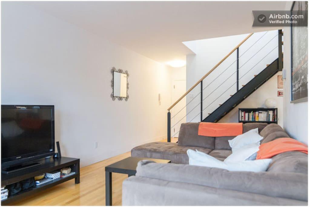 Room in Beautiful Duplex Le Plateau