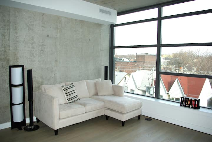 Loft at downtown Toronto (Furnished/non-Furnished)