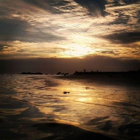 Cabaña de barro y madera. en Playa Pascual. - Ciudad del Plata - Allotjament sostenible a la natura