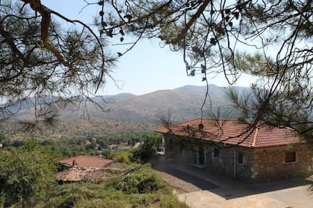 Stunning Village House on a Hill -  Alepohori - Talo