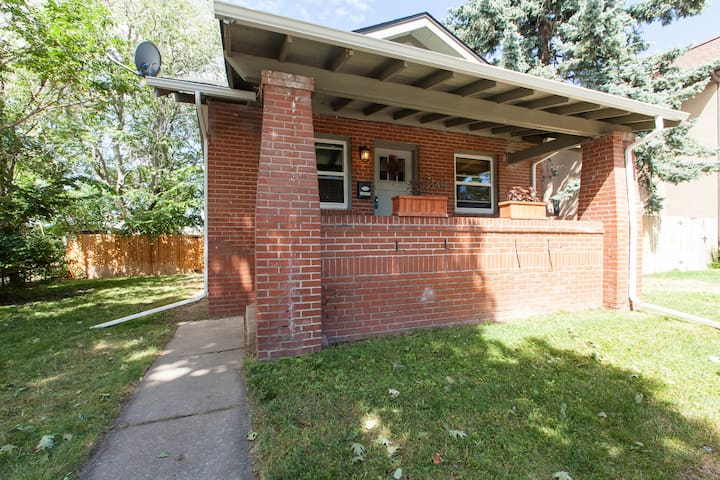 Charming bungalow near Wash Park.