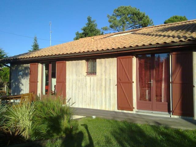 CABANE DE PÊCHEUR CHIC - Ch d'hôtes - Andernos-les-Bains - Bed & Breakfast