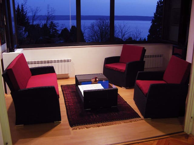 Sitting area with flat TV and fantastic sea view